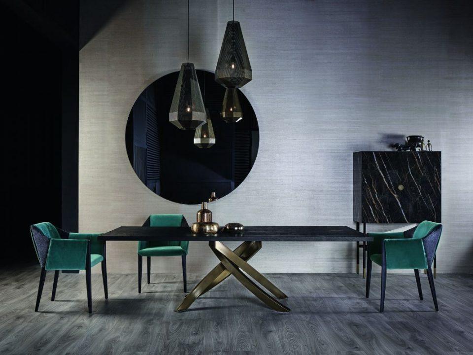Tavoli e sedie zona living